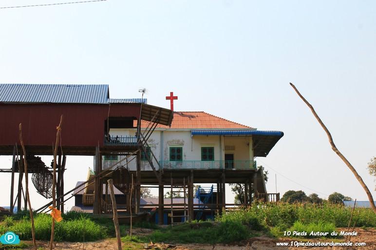 J2 Village sur pilotis et temple d'Angkor