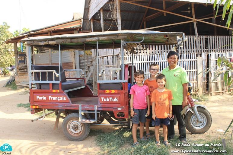 Tuk tuk driver et enfants