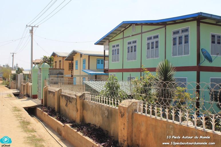 Trek J1 - village