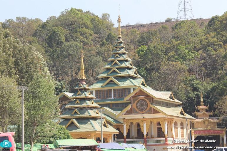 Trek J1 - temple et grotte