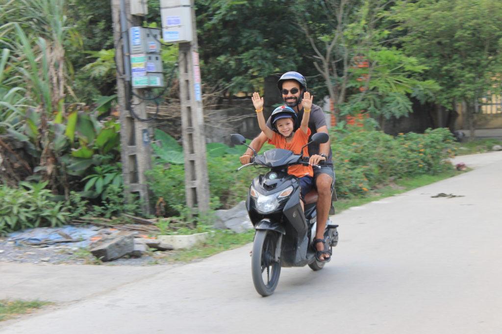 Scooter avec papa