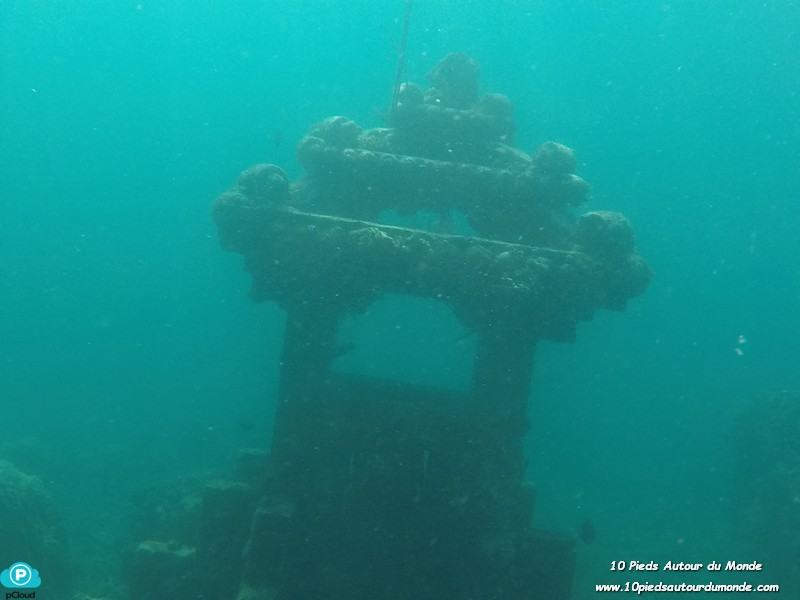 Snorkelling - temple