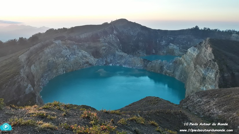 Kelimutu lac bleu turquoise