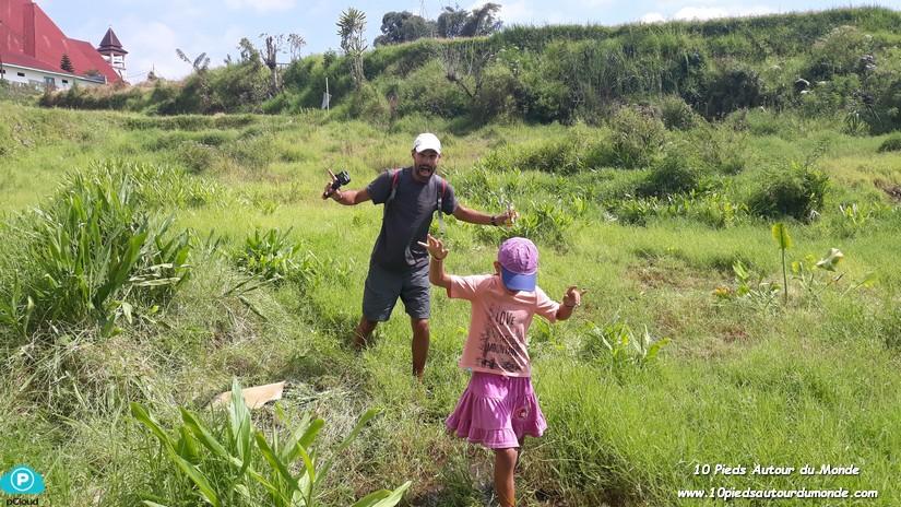 Balade à Ruteng, dans les rizières avec les sangsues