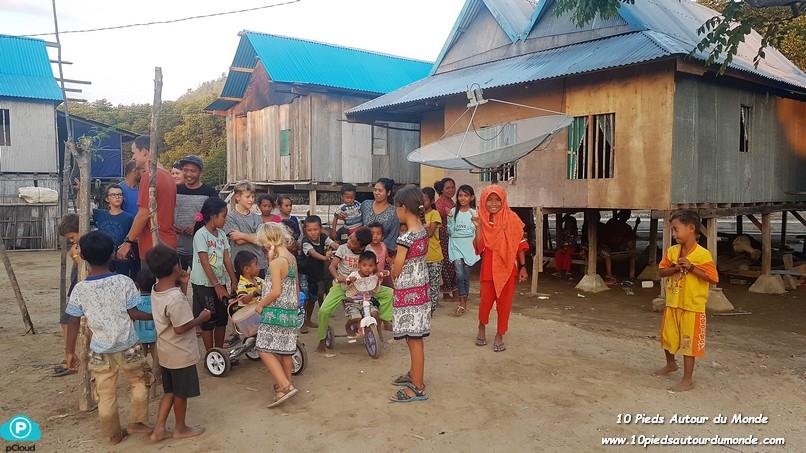 J1 Rinca village