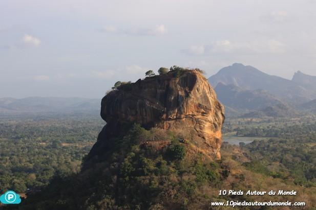 Rocher du Lion depuis Pidurangala
